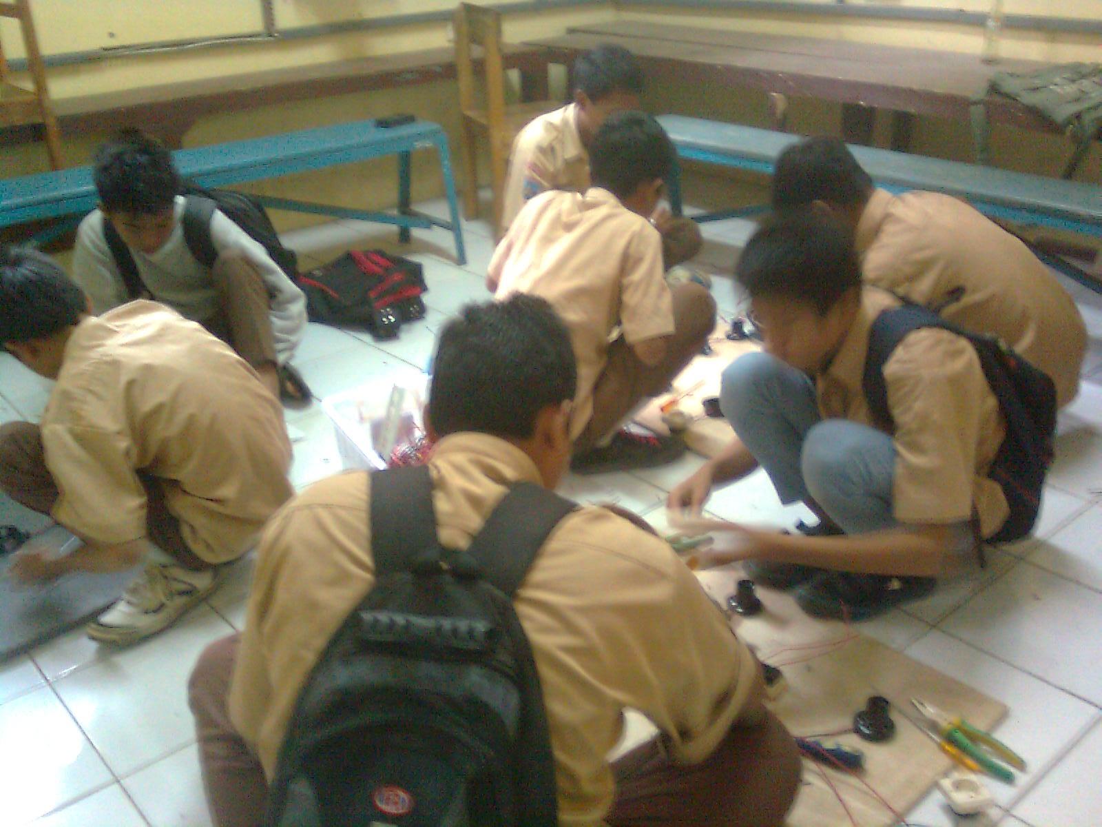 Praktek Instalasi Listrik Dasar 171 Smk Negeri 1 Cikande